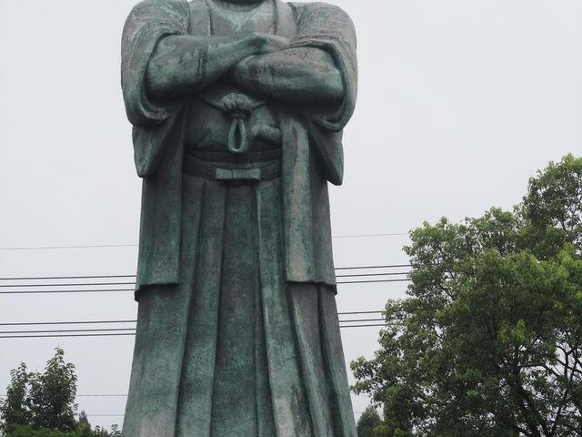 ご立派な西郷像_西郷隆盛銅像