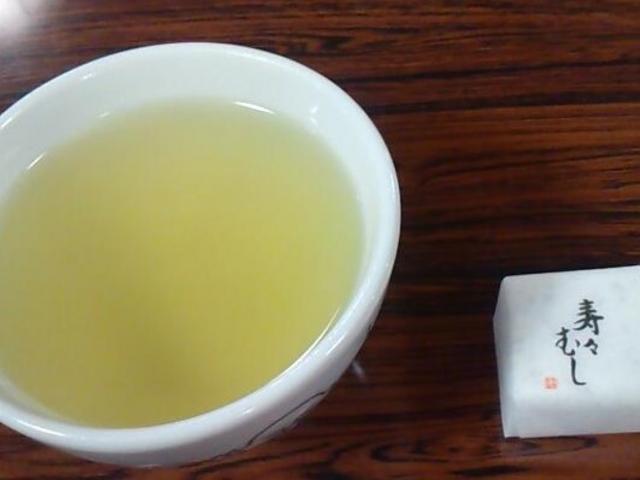 お茶がでます_鈴虫寺(華厳寺)