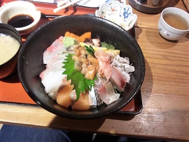 海鮮丼_漁人(ふなと)市場とっとっと