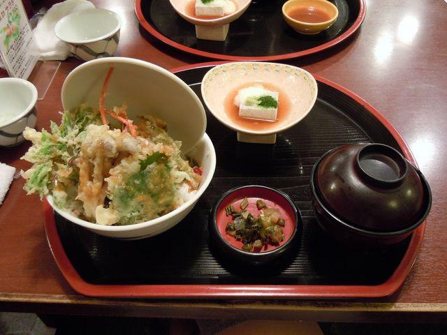 信州諏訪みそ天丼_レストラン割烹 いずみ屋