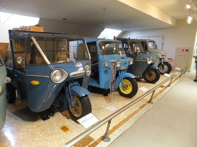 子供の頃、まわりで当たり前に見かけたオート三輪たち。静かに余生を送っています。_日本自動車博物館