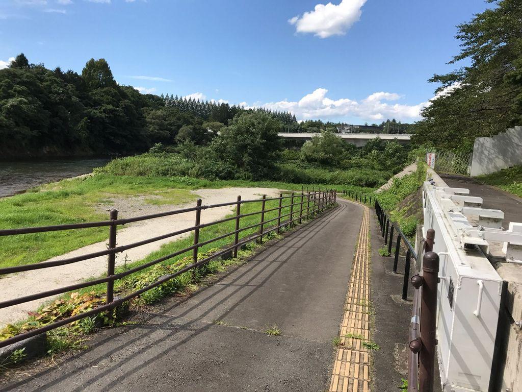 広瀬川遊歩道