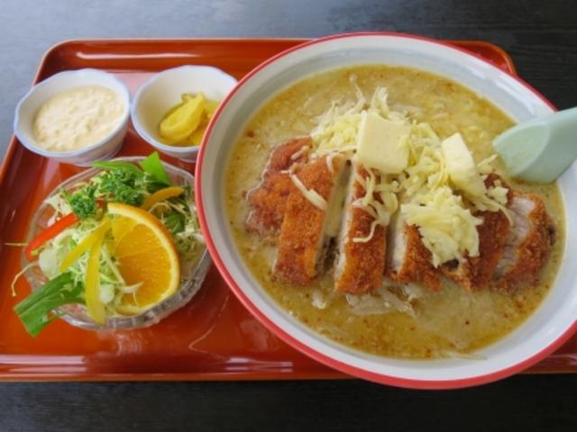 ミソカツラーメン_食堂ニューミサ