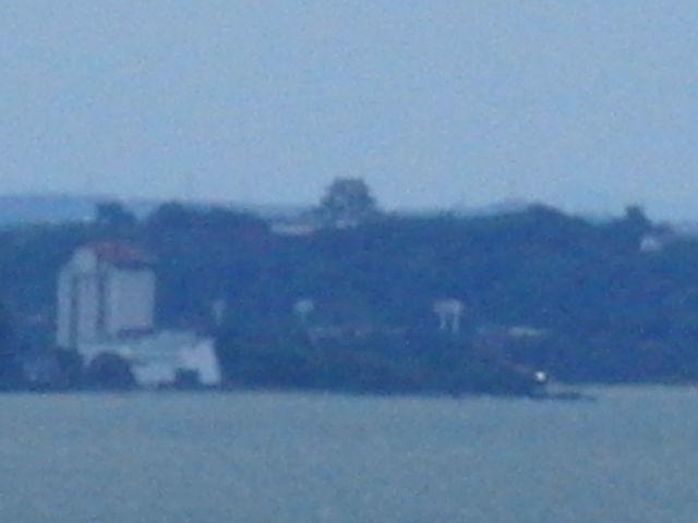 長浜城から撮影した彦根城_長浜城歴史博物館