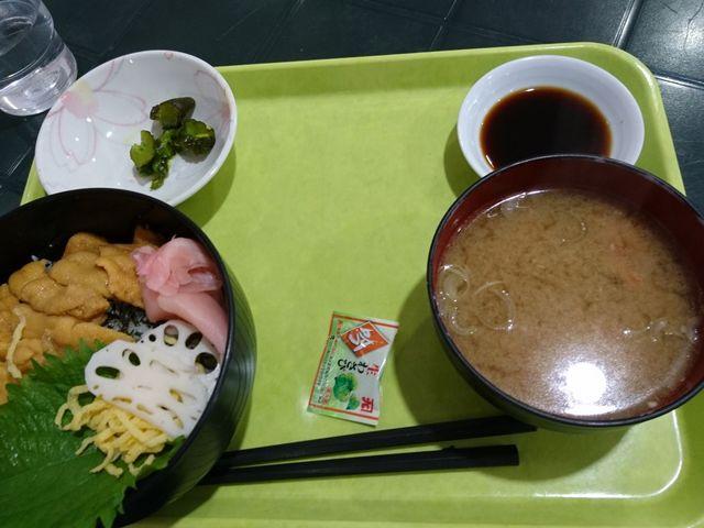 この日のサービスメニューのウニ丼。1000円なり!_道の駅 うみてらす名立