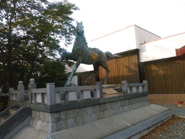 神馬像_崋山神社