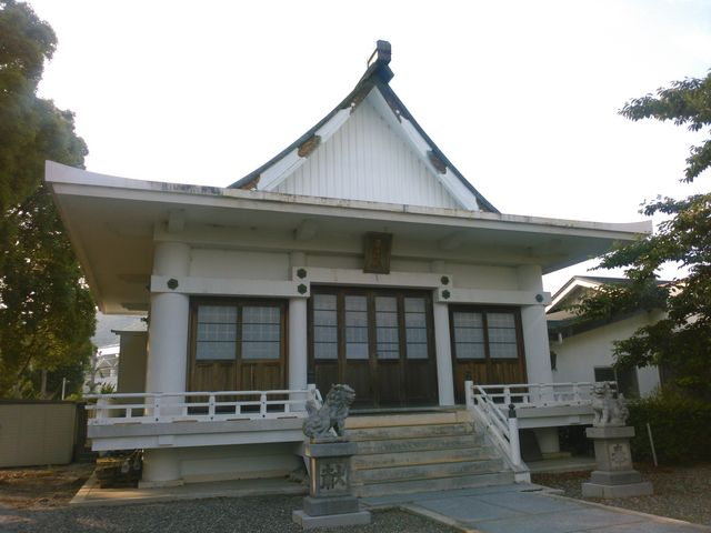 拝殿_崋山神社