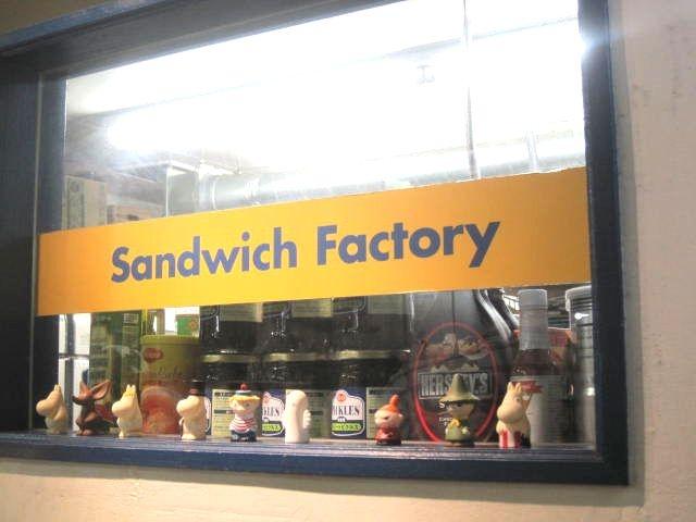 ◆とにかく分厚いサンドウィッチで満腹!;;;> ▼ <;;;!。_Sandwich Factory OCM