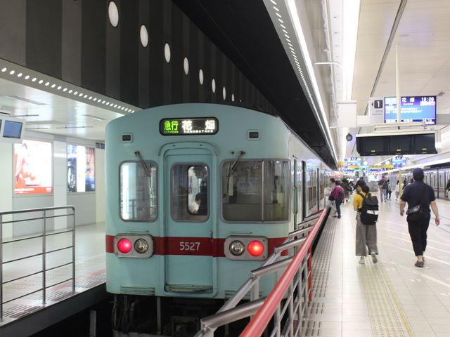 急行電車_西鉄福岡(天神)駅