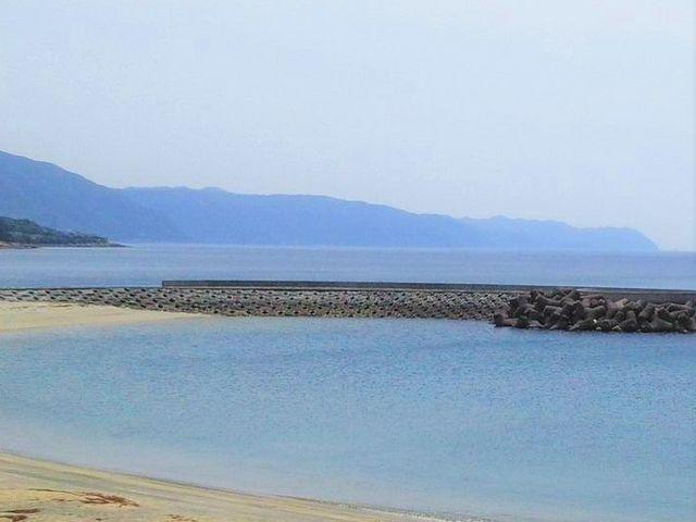 青空、青い海そして黄金色の砂浜_大浜海浜公園