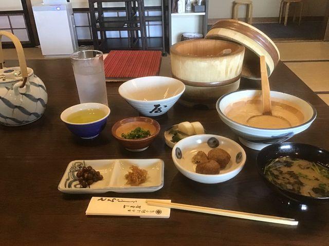 もちろん、とろろ飯を頂きました!自然薯、最高ですよ!_丁子屋 静岡