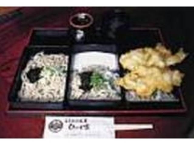大きな天ぷらとそばの量の多さに大満足_ひの木家 淀江本店