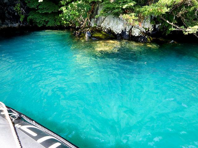 神秘的な色を見せてくれる十和田湖です☆_RIB Pioneer