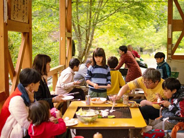 1日3組限定の小さなキャンプ場で、自然に囲まれてワイワイBBQ♪_ふれあいの里なめかわ