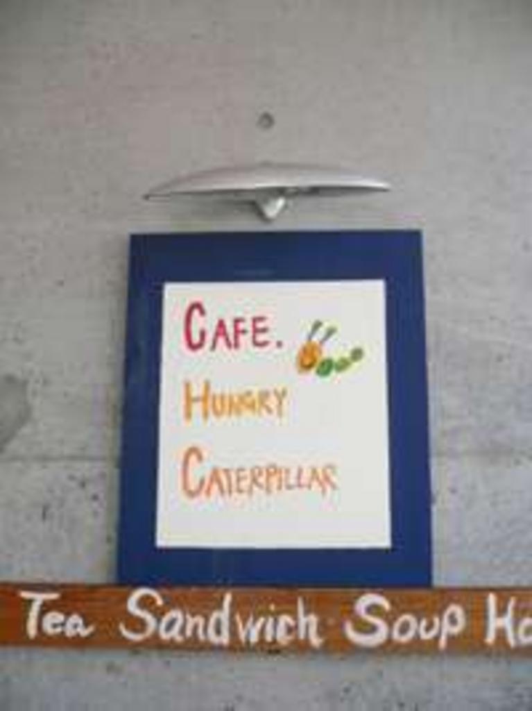 CAFE!HUNGRY CATERPILLAR