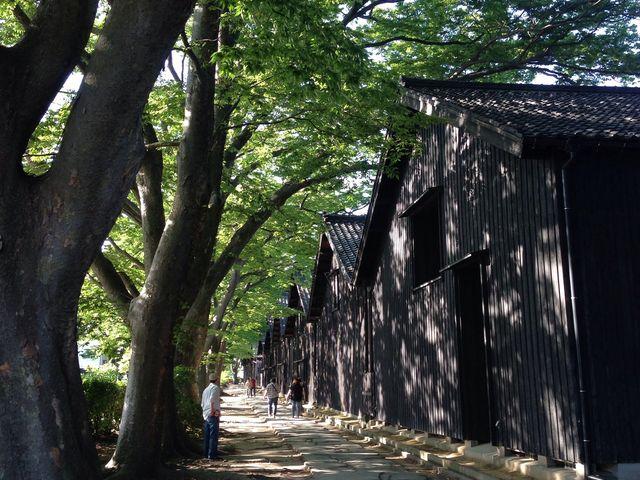 こちら側がきれいでした。_山居倉庫