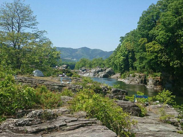 岩畳と荒川下流側を撮影_長瀞岩畳