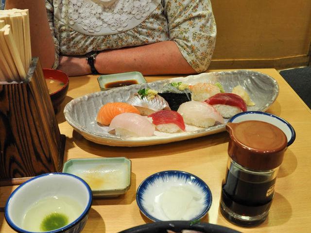 しらす・桜えびも入った海鮮たっぷりの丸天丼_魚河岸 丸天 みなと店