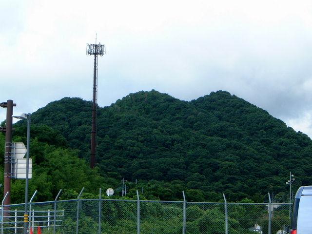 綺麗な山型_住友忠隈炭鉱のボタ山