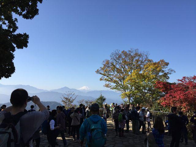 ちょっとだけ富士山が見えた_高尾山ケーブルカー・二人乗り観光リフト