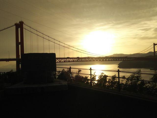 夕日と平戸大橋_平戸大橋