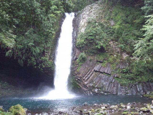 ダイナミックな滝です。_浄蓮の滝