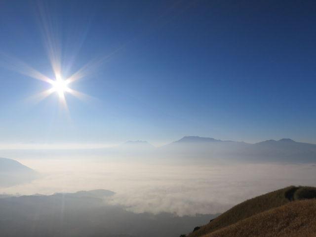 2016年の元旦に、雲海が見れました。_大観峰