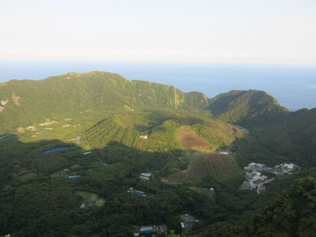青ヶ島 村