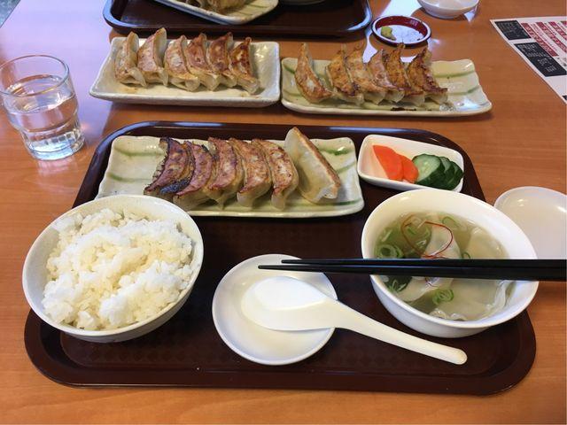 たくさんの種類の餃子が食べられて幸せ_宇都宮餃子さつき 来らっせ本店