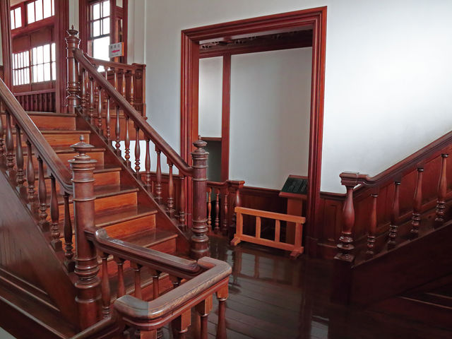 部屋数は多く、旅館をしていた時代もあるそうだ_太宰治記念館「斜陽館」