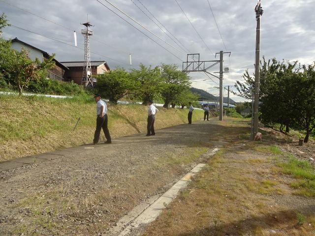 駅員がいっぱい、厳戒態勢です_JR津島ノ宮駅