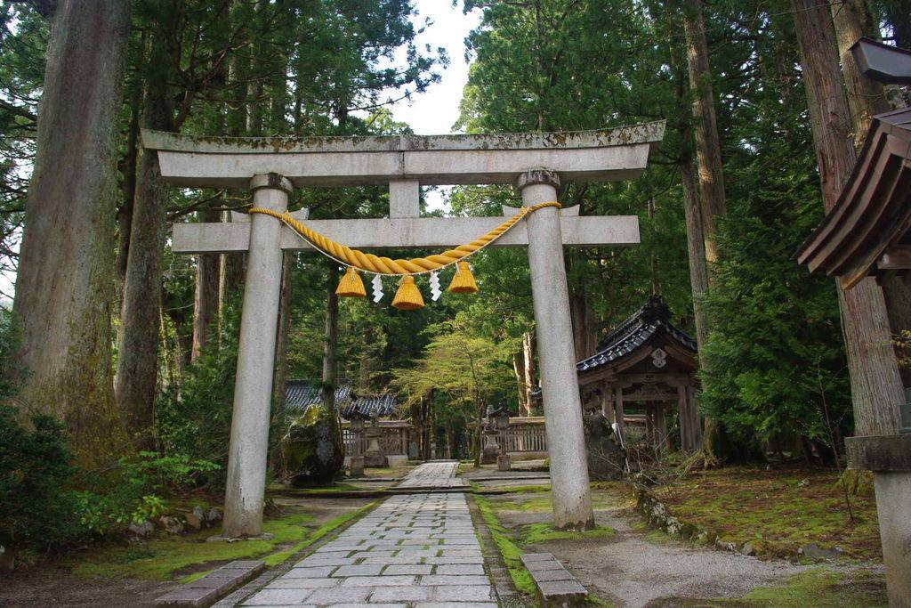 雄山神社(芦峅中宮)