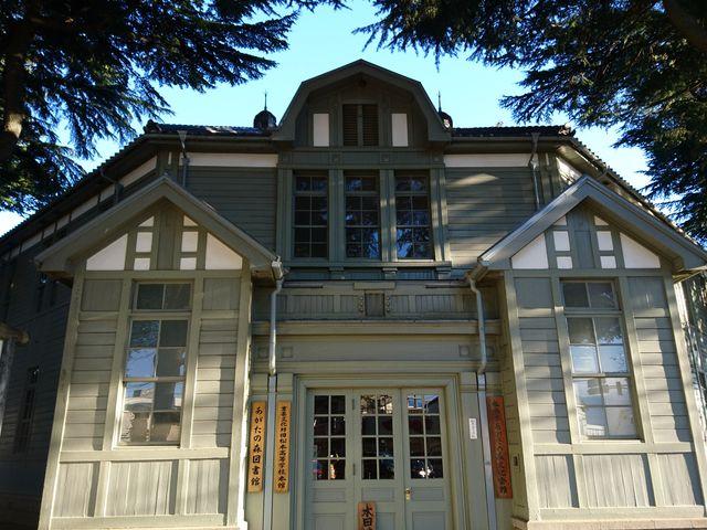洋風校舎が素敵_あがたの森文化会館