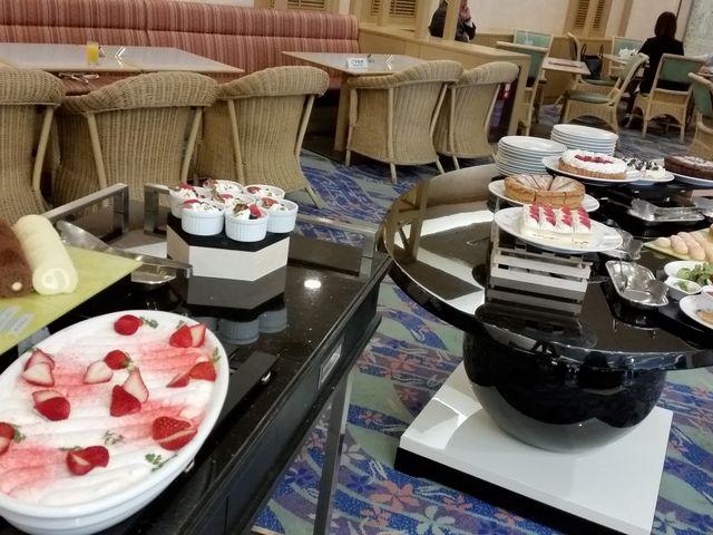 ケーキも美味しい_リーガロイヤルホテル小倉 リートス All Day Dining RITOAS