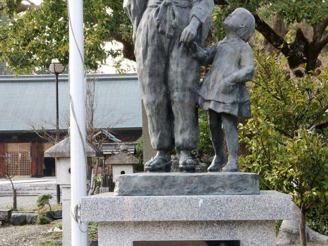 母の像_滋賀縣護國神社
