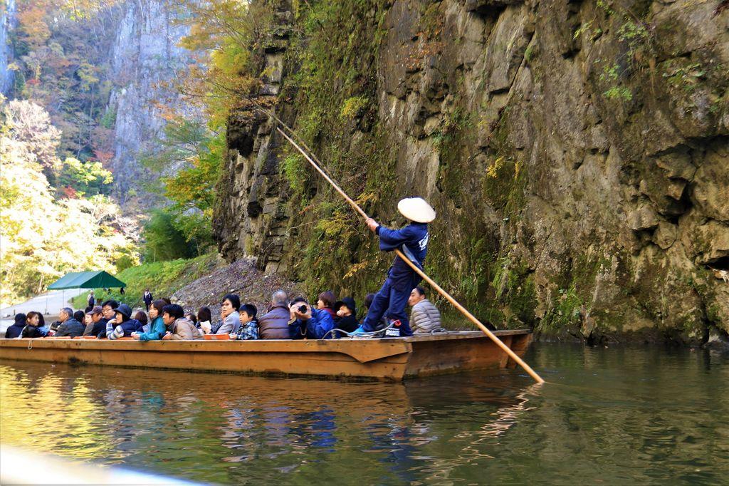 いび 渓 舟 下り げ 猊鼻渓(げいびけい)舟下り|自然豊かな名勝・日本百景を楽しむ船下り| 岩手県の観光情報