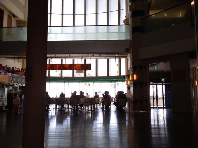 中央部分のホール_ATC(アジア太平洋トレードセンター)