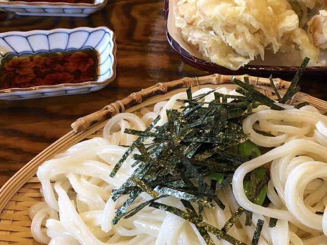 舞茸の天ぷらはかなり大きいサイズ!_山一屋