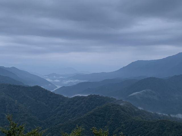 滝雲はありませんでしたが、ふつうにいい景色でした_枝折峠 雲海滝雲