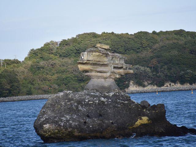 島は、浸食によってこんな不思議な形に・・。_塩竈~松島