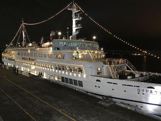 乗船前の船_ロイヤルウイング ROYAL WING
