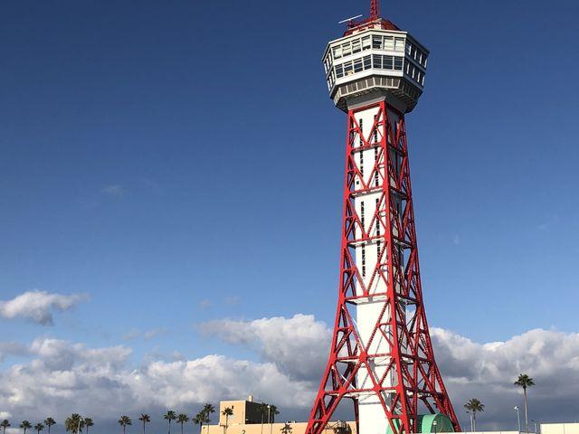 赤と白のタワー_博多ポートタワー