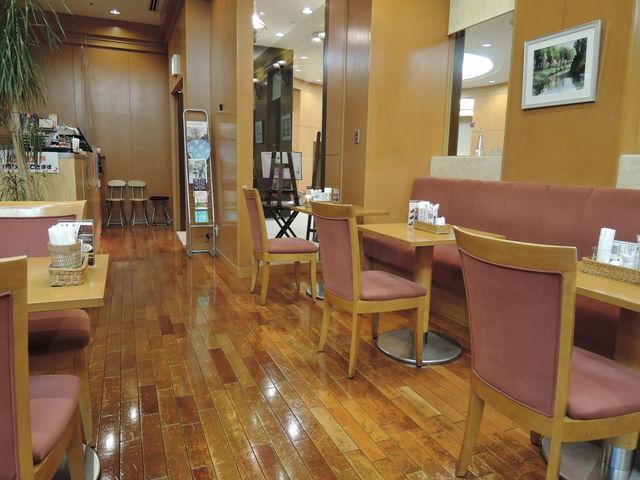 店内 床がフローリング_ミュージアムカフェ