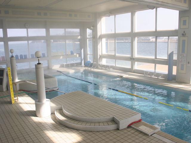 クアタラソのプールは温水で、一年中楽しめます。_クアタラソさぬき津田