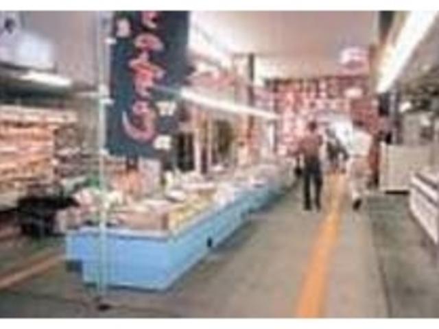 魚介類から果物まで、特産品が勢揃い_富山のきときと市場