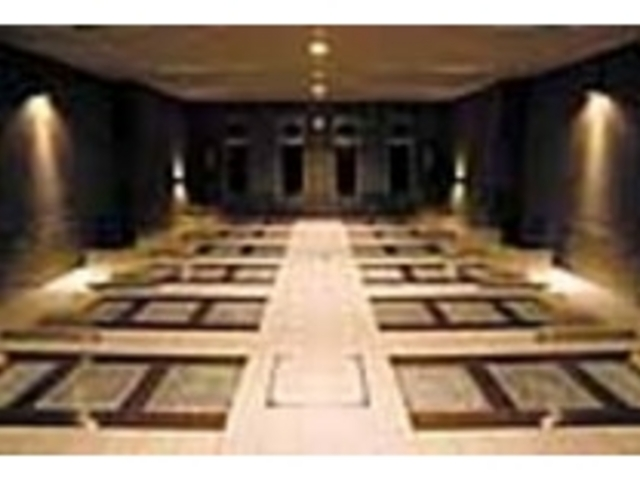 男女各14床ある岩盤浴。_レイクリゾートスパ 稀石の癒