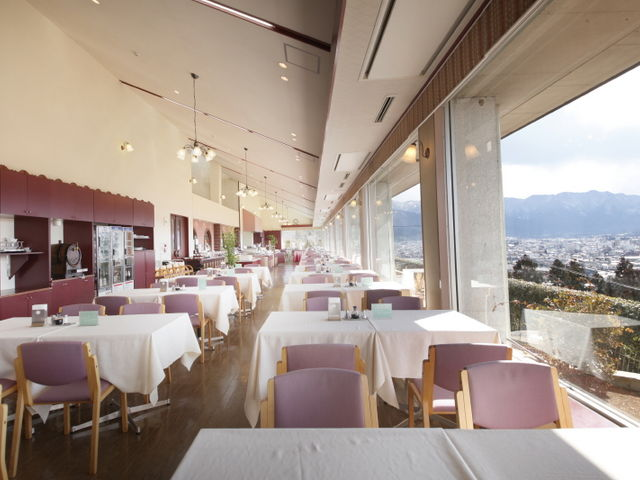 市内が一望出来るレストラン。_ナチュラルファームシティ農園ホテル