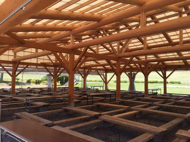 300名収容大型BBQ施設_鹿角平観光牧場