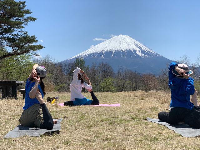 【ヨガ+トレッキング】 専属ガイドさんと富士五湖周辺の山をトレッキング。山頂でヨガ体験を行います _Nipa Yoga~富士山の麓でヨガ~