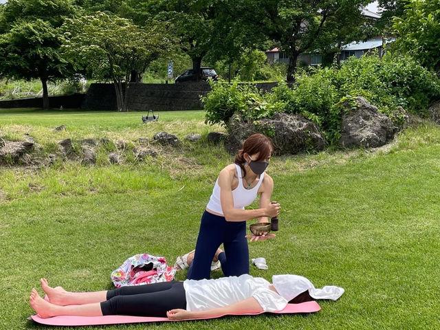 【河口湖外ヨガ】 リラックスタイムは、シンキングボウルトリートメントサービス*_Nipa Yoga~富士山の麓でヨガ~